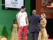Рио төрінде алғаш рет Қазақ Әнұраны шырқалды. Зілтемірші Нижат Рахимовты марапаттау сәті