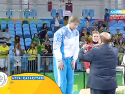 Рио Олимпиадасының күміс жүлдегері Гюзель Манюрованы марапаттау сәті (ВИДЕО)