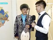 Жетісулық Бейбіт Мұсаев Қалқа Жапсарбаевтың «Сарыжазық» әнін орындады