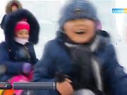 Қыс мезгіліндегі балалар мен үлкендердің көтеріңкі көңіл-күйі (БЕЙНЕБАЯН)